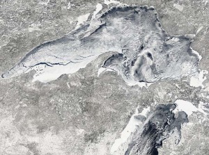 lake-superior-ice-mar2_09t1